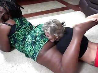 Taty Licks Monique's Big Black Booty